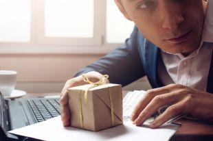 Подарки брать можно, но осторожно?