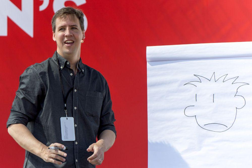 Джефф Кинни — 18,5 млн долларов. Продажи его бестселлера «Дневник слабака» превысили 200 миллионов копий по всему миру.