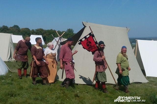 На фестивале «Русский Каганат» под Воронежем воссоздали быт древнего народа, жившего на территории России.