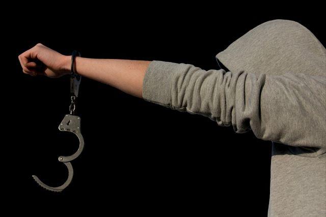 Наркотики в нижнем бель: в Оренбуржье задержан житель Саратовской области