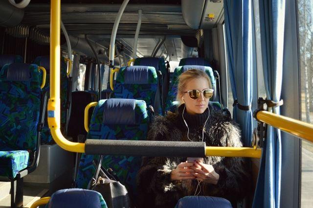 Общественный транспорт украсят к Новому году