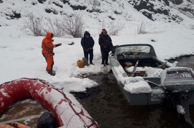Рыбаков спасали с Командорских островов.