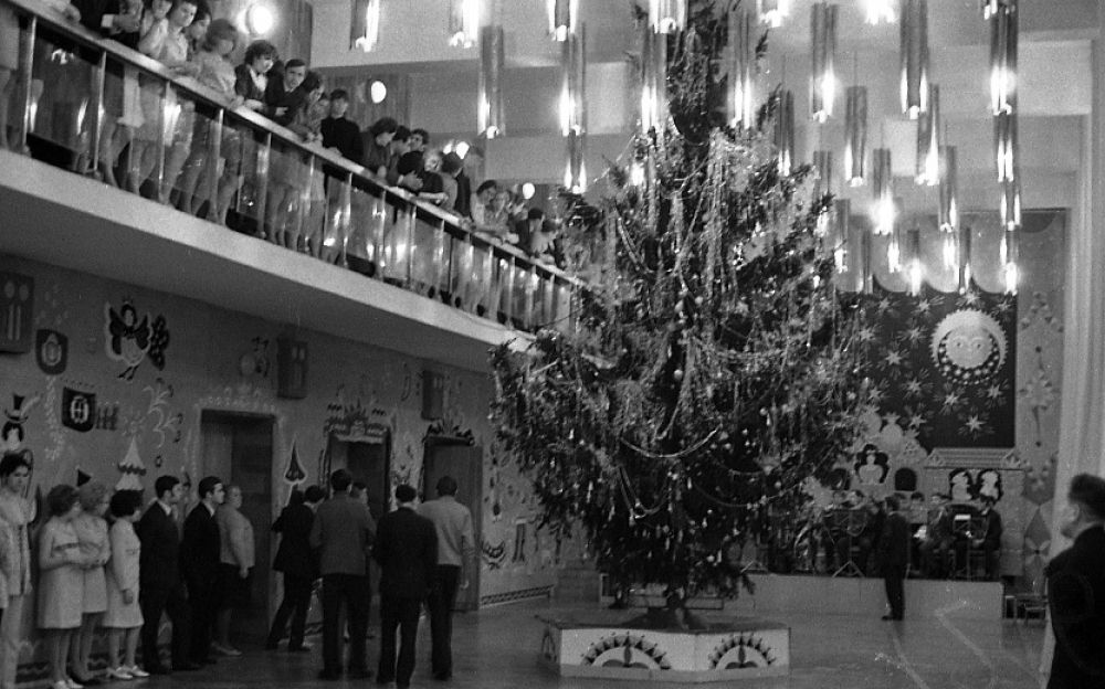 Новогодний бал в ДК им. Гагарина, 1970-е гг.