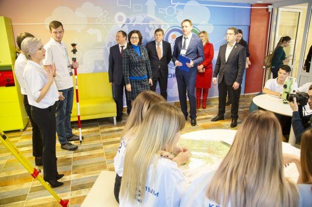 Детский технопарк открылся на базе Кузбасского техникума архитектуры, геодезии и строительства.