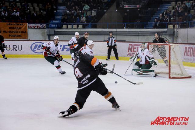 После очередной неудачи пермские хоккеисты усугубили и без того плачевное турнирное положение.