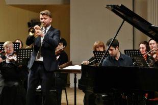 Впервые на оренбургской сцене выступил пианист и композитор Никита Мдноянц.