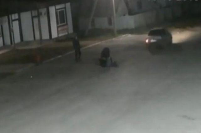 В Красногвардейском районе ссора привела к наезду на юношу