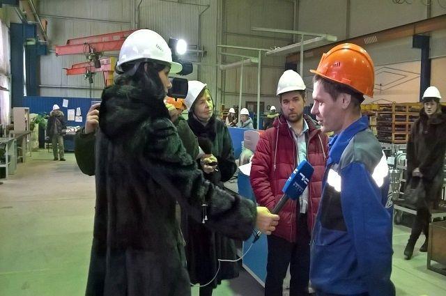 В Тюменской области поднимают престиж рабочих профессий с помощью СМИ