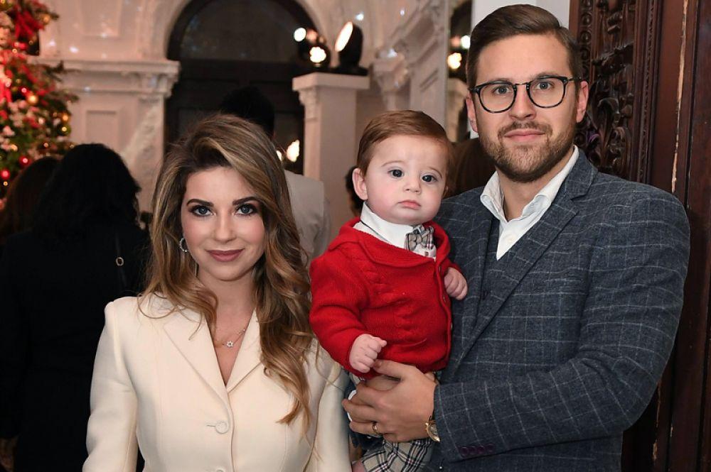 Дочь знаменитого кутюрье Галина Юдашкина и ее муж Петр Максаков стали родителями во второй раз. У пары родился сын Аркадий.