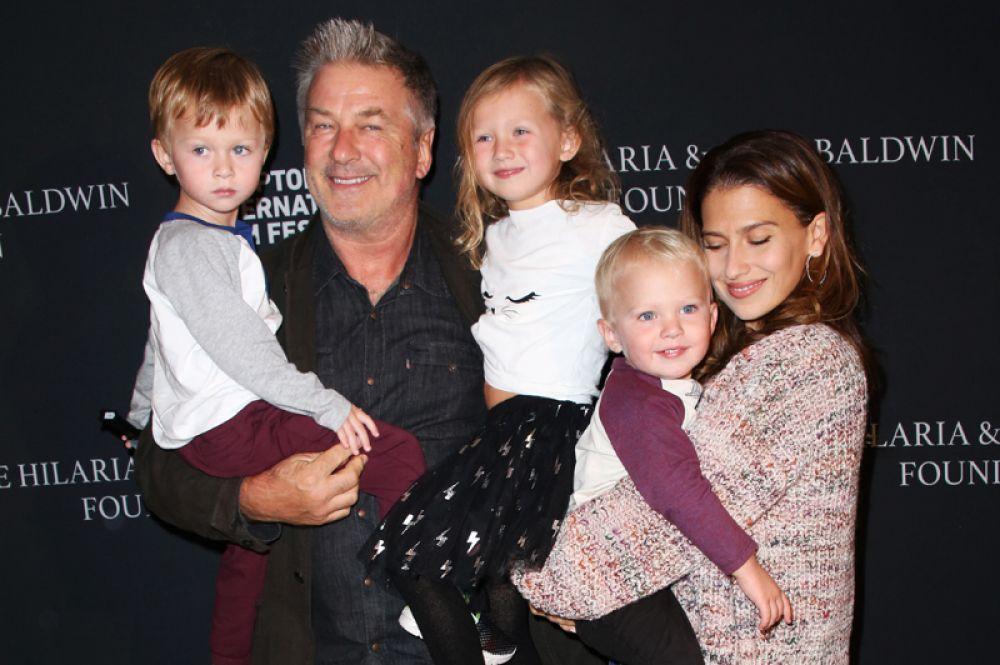 Случилось пополнение в семье Алека и Хиларии Болдуин. У пары родился четвертый ребенок, сын Ромео Алехандро.
