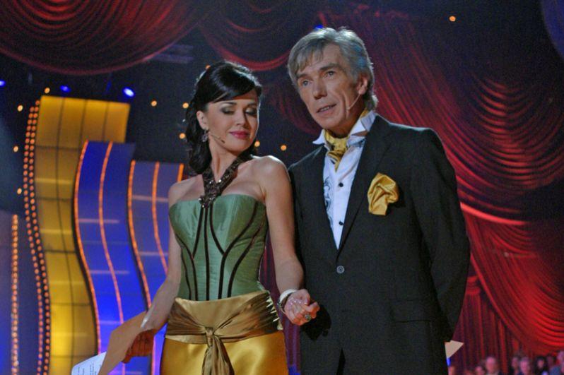Ведущие Анастасия Заворотнюк и Юрий Николаев на съемках проекта «Танцы со звездами». 2006 год.