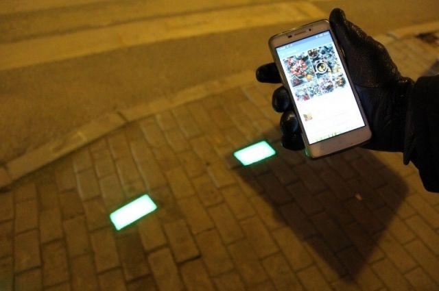 Светофор для смартфонозависимых появился на перекрёстке улиц Ленина и Николая Островского.