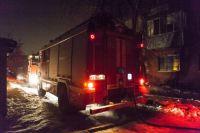 Спасатели выехали на вызов из-за угрозы взрыва газа.