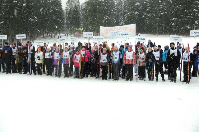 В этом году в лыжных гонках участвовали более 120 человек из 17 районов Пермского края.