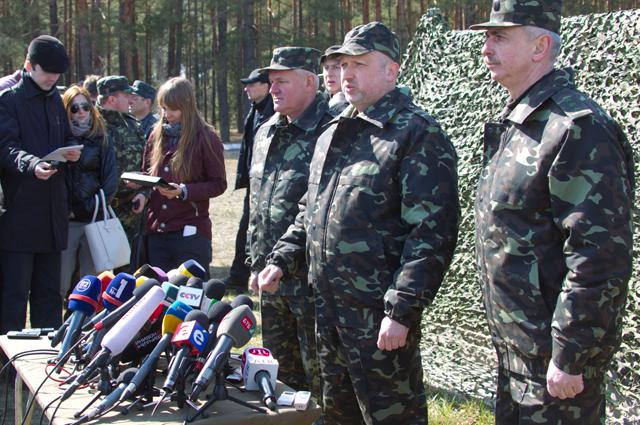Турчинов опроверг слухи о переходе ВСУ в наступление к Новому году