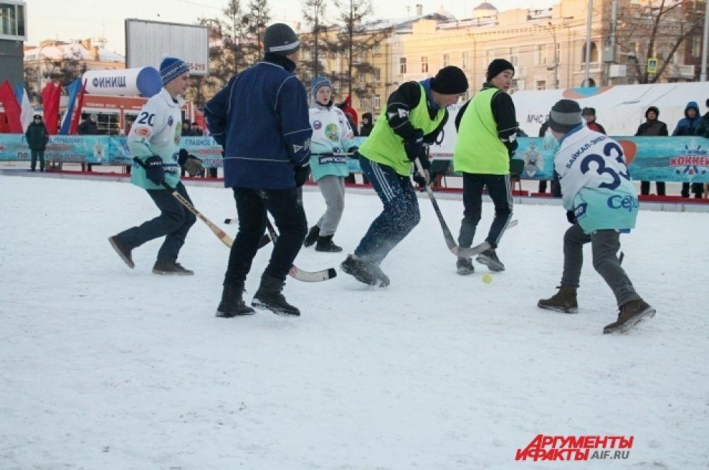 Участие в соревнованиях также приняли детские команды.