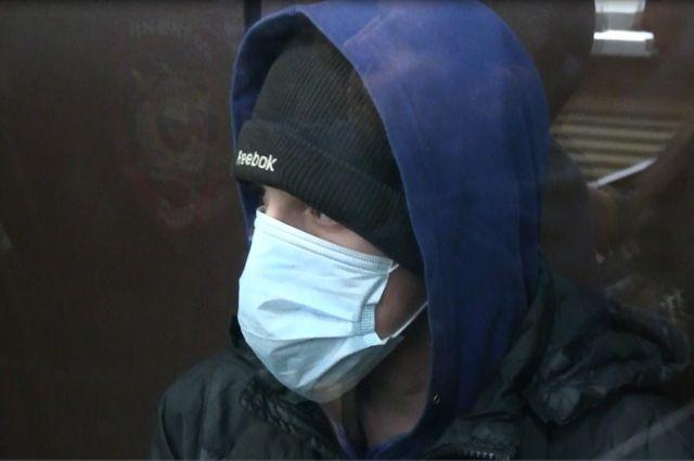Прокурор попросил для подсудимого 9 лет и 10 месяцев лишения свободы.
