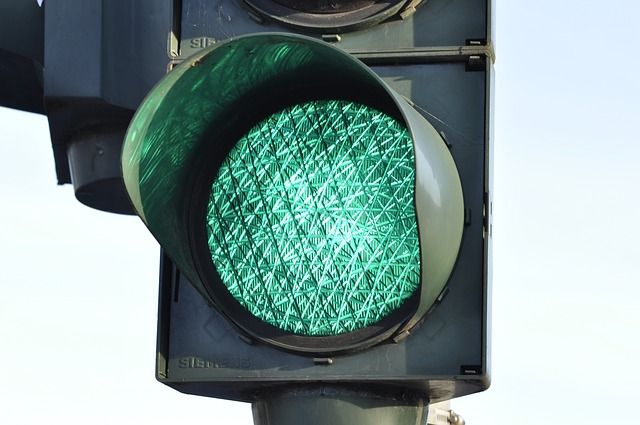 Теперь при включении разрешающего сигнала по улице Белинского, будет включаться запрещающий сигнал светофора для движущегося транспорта по кругу.