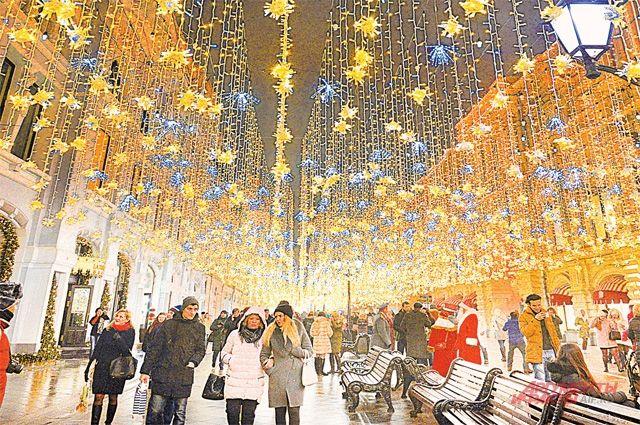 Новогодняя Москва, архивное фото