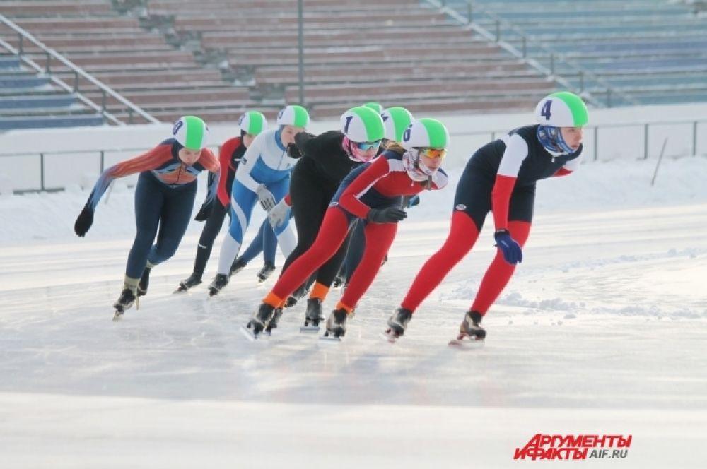 Раз за разом представители Приангарья устанавливают новые рекорды на коньках.