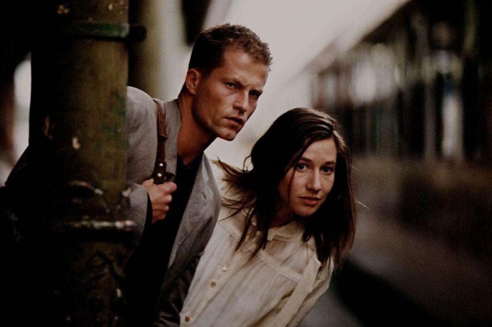 «Босиком по мостовой» (2005). Актер сыграл главную роль — Ника Келлера, у которого случился роман с девушкой, сбежавшей из психиатрической больницы. Помимо этого, Швайгер принимал участие в производстве фильма и написании сценария.