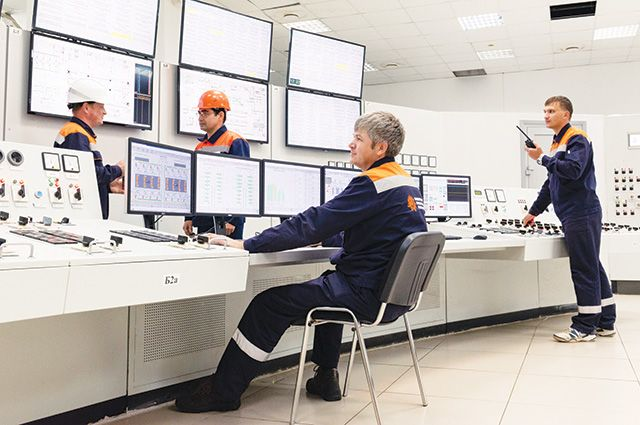 На электростанции внедрены современные системы управления.