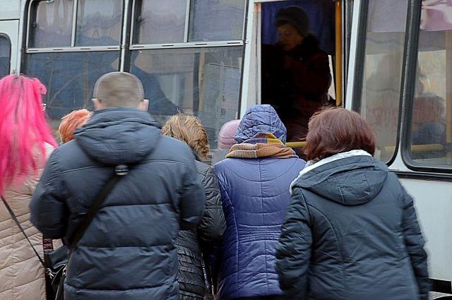 ГИБДД проверили около 40 автобусов.