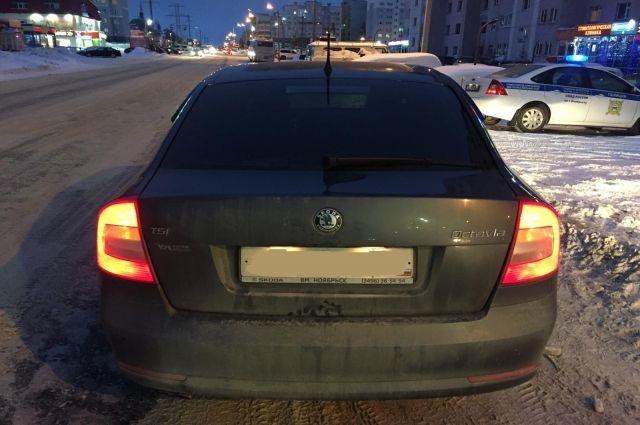 В Ноябрьске водитель Skoda сбил девушку на пешеходном переходе
