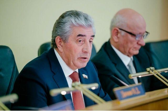 Депутаты Законодательного собрания Оренбургской области приняли бюджет региона на 2019 год.