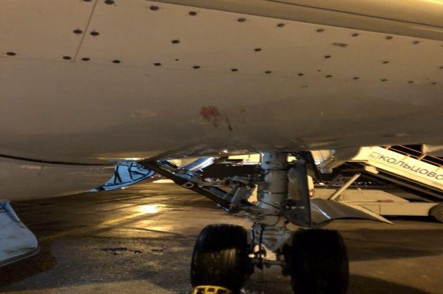 Ямальский самолет, столкнувшийся с птицами, приземлился с третьего раза