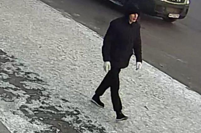 Подозреваемый попал на камеры видеонаблюдения.