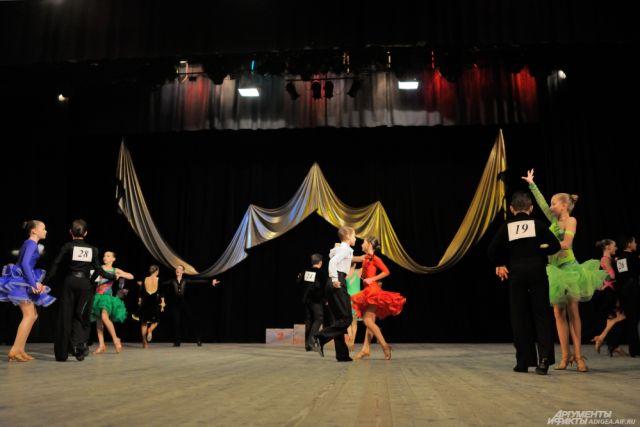 В Оренбурге наградили победителей открытого турнира по танцам