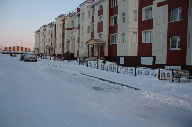 Комиссия вновь проверяет качество уборки снега во дворах Салехарда