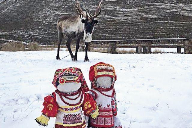 Деснянские красавицы ученицы мастера С. Пономарёвой из Якутска.