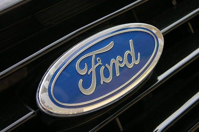 Ford отзывает прочти 900 тыс. автомобилей из-за проблем с двигателями photo