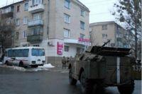 Под Луганском псевдо-милиционеры на БТР тяжело травмировали мирного жителя