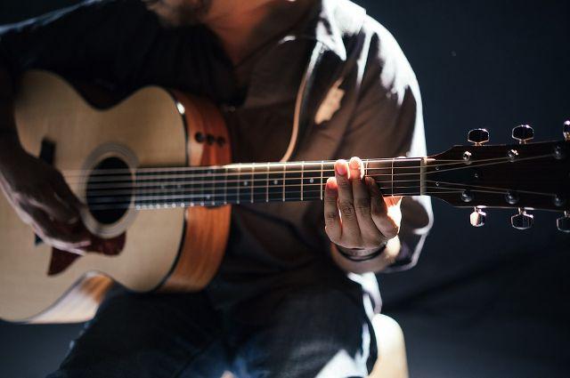 Тюменцы могут выступить с гитарой на сцене