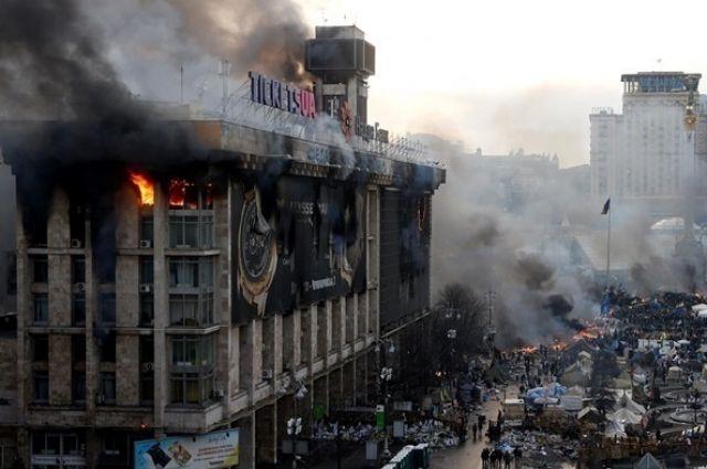 Стояли с 2014 года: в Киеве вновь заработали часы на Доме Профсоюзов