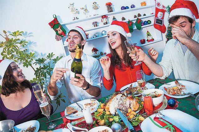 Главный принцип застолья: не перепить, не объесться, весело встретить Новый год и проснуться наутро со свежей головой.
