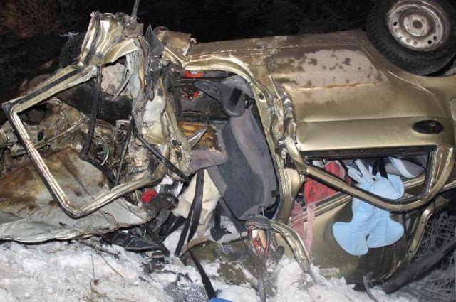 Автомобиль «Матиз» столкнулся с  фурой «Вольво».