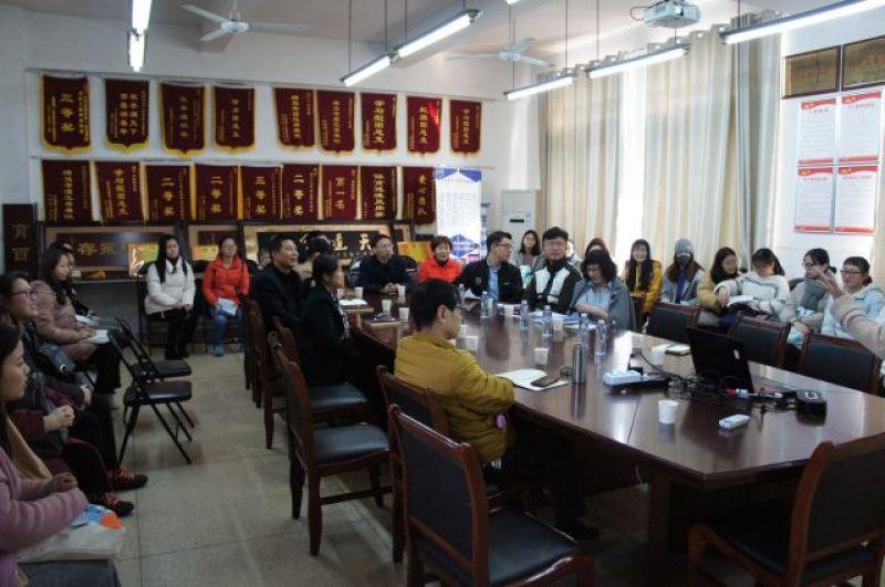 Встреча со студентами на факультете иностранных языков.