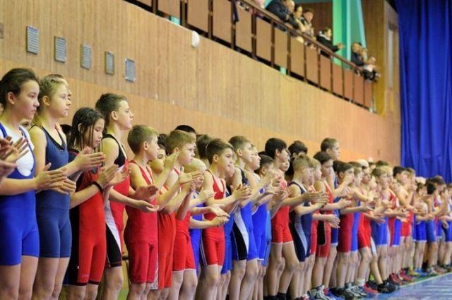 В Оренбурге прошел X открытый турнир по спортивной борьбе.