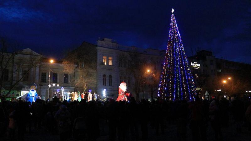 Новогодняя елка в Феодосии.