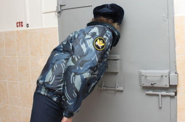 В Соль-Илецке сотрудники полиции издевались над задержанными.