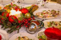 В Новый год за столом собирается вся семья, поэтому каждый старается приготовить что-нибудь вкусное и необычное.