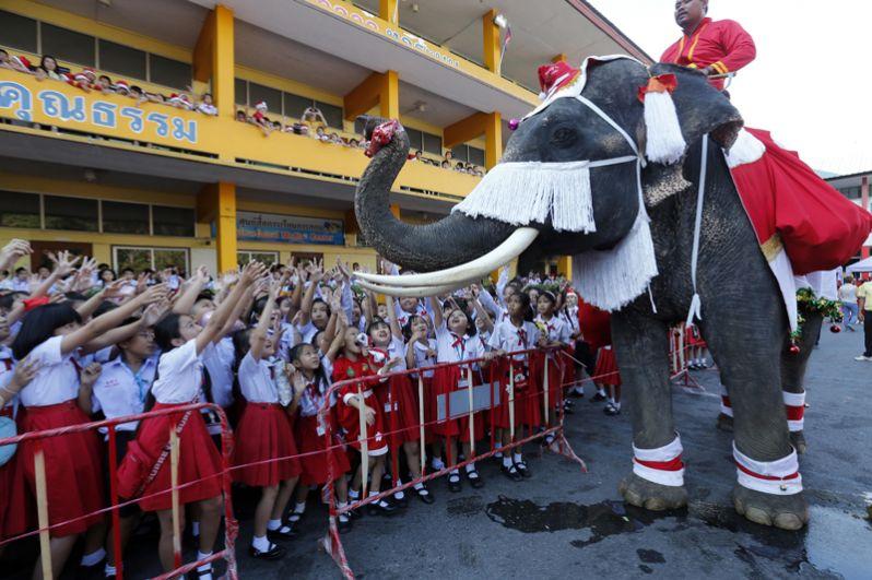 Празднование Рождества в Таиланде.