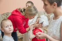Оксана навещает подопечных дома-интерната в посёлке Рудничном.