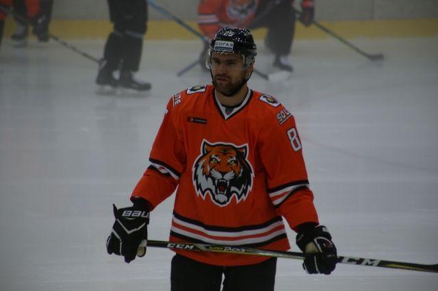 Хабаровская команда одержала победу.