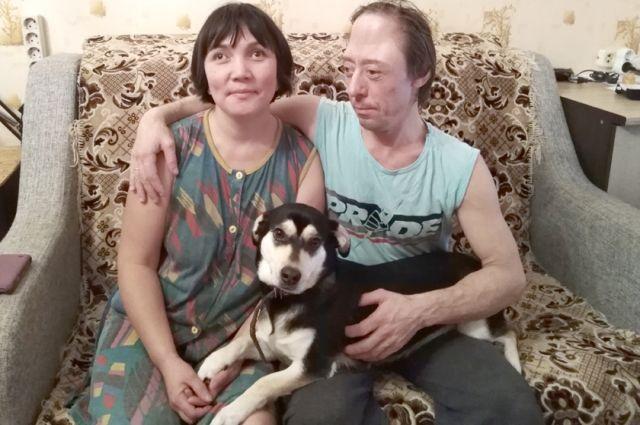 Гульжан и Андрей, как и 21 год назад, влюблены друг в друга.
