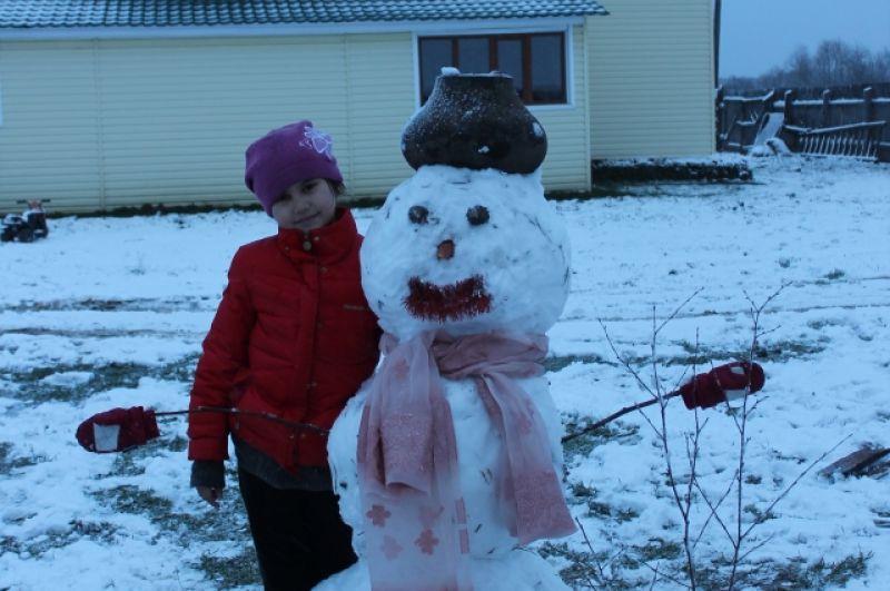 Есения Ибрагимова, 10 лет. Номинация «Самый стильный снеговик-2019».